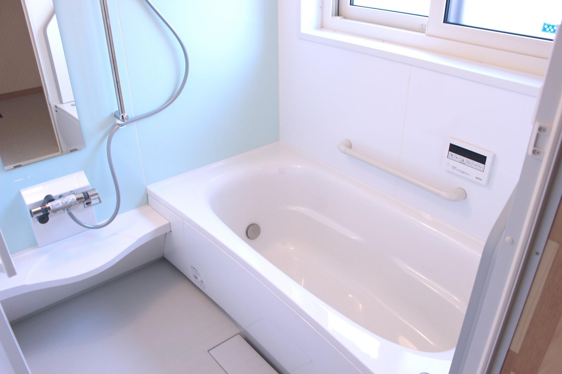 浴室壁のカビ殺菌方法