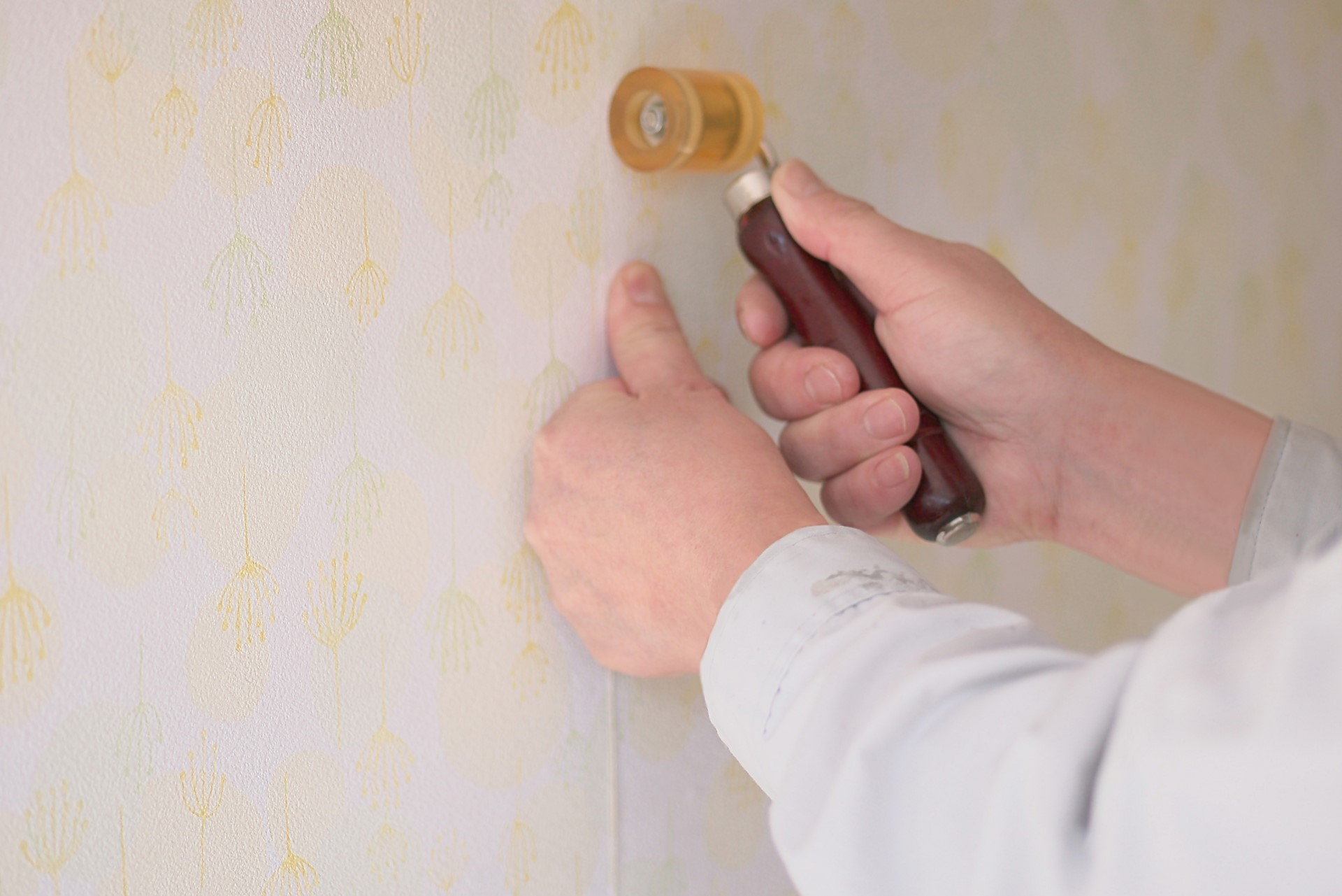 部分的な壁紙張り替え方法